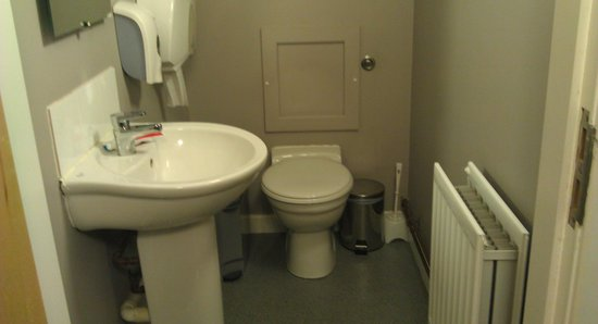 YHA Berwick: on suite toilet