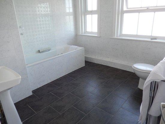 Grand Hotel Swanage: Bathroom