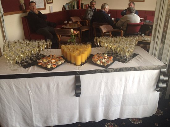 Sandbach Golf Club: Champagne reception