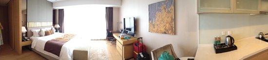 Fraser Suites Chengdu : Wide Sceen TV