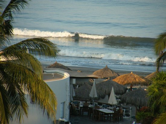 Mayan Palace Nuevo Vallarta: View of the ocean from our room and oceanside dining