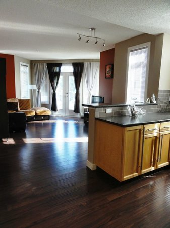 O hotel suites: Paradyme - 2 bedroom - 1000 15th Ave. SW