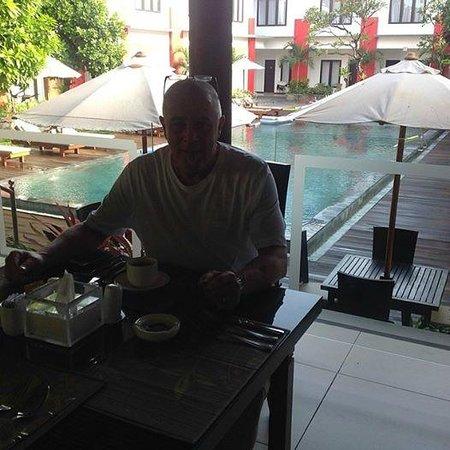 Ozz Hotel Kuta: Morgenmad