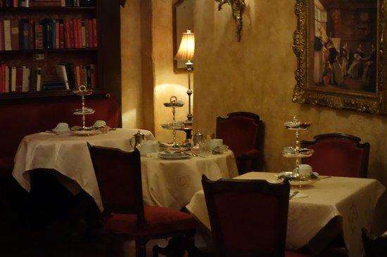 Boutique Hotel Campo de Fiori : Hotel Campo De'Fiori: Breakfast Room