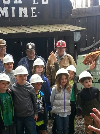 Tour-Ed Coal Mine: The kids learn a lot - especially that coal mining is hard and dangerous work!