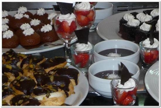 D-Resort Grand Azur: Dessert buffet