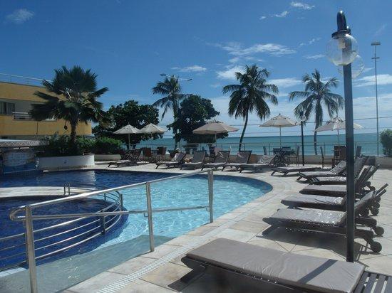 Aquaria Natal Hotel : área da piscina
