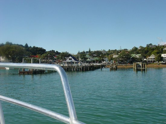 Explore - Discover the Bay : Russell