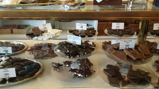Lansing, IL: Chocolate bark
