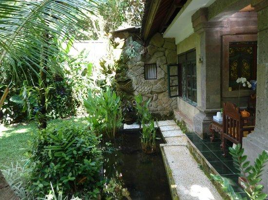 Dewangga Bungalow: Cottage next to mine