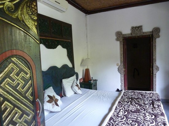 Dewangga Bungalow: My room