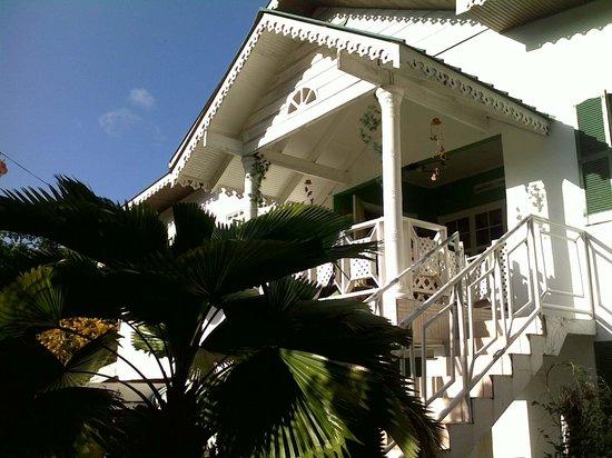 Rainbow Nature Resort : The House