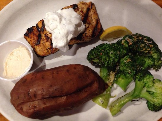 Winchell's Restaurant & Sports: Grilled Salmon with Sweet Potato