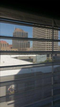 Kimpton Hotel Palomar Phoenix: Cool shades, nice view