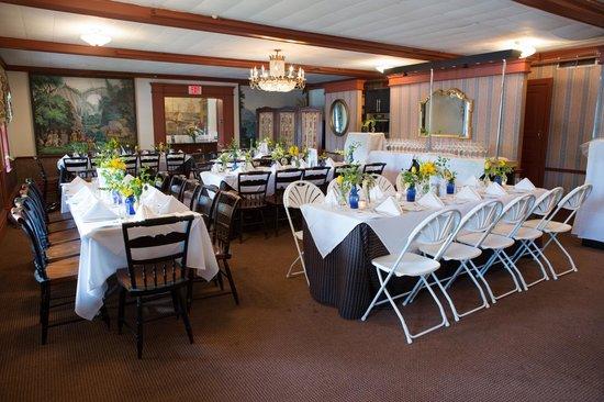 The Robert Morris Inn: Banquet Room - photo credit Kate Fine Art Photography