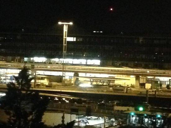 Hilton Paris Orly Airport : Le hall d'Orly-sud (sans zoom)