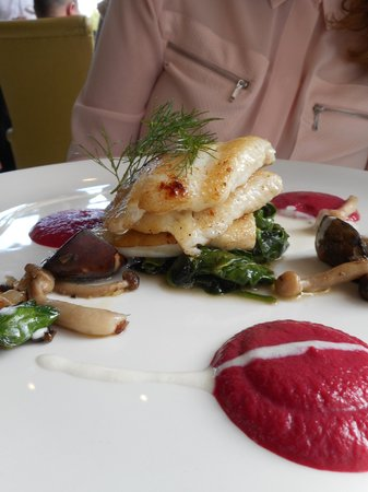 Perrotts Garden Bistro: Hayfiled Manor - Fish main course, poss Sea Bass was excellent