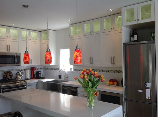 Alma Beach Suites: One of the new kitchens...a little bling is a good thing!