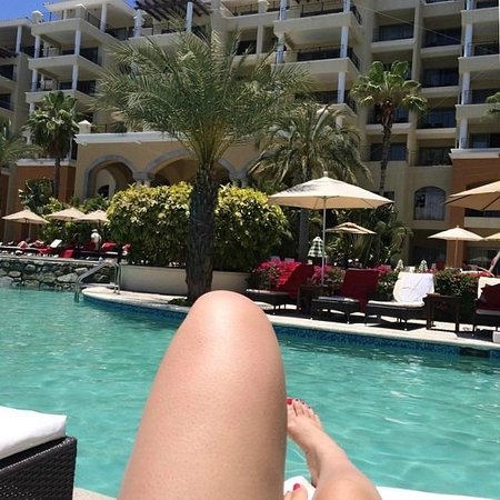 Casa Dorada Los Cabos Resort & Spa: The view from my pool chair