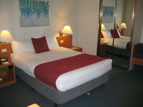 DeVere Hotel: Superior Double Room