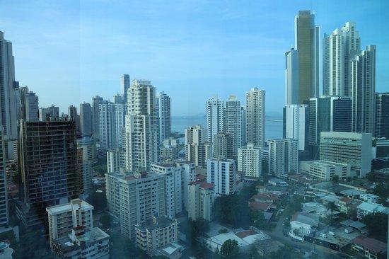Hotel Riu Plaza Panama: Vista do quarto