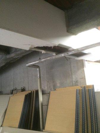 Hotel Route Inn Kami Suwa: 地下駐車場の改修工事