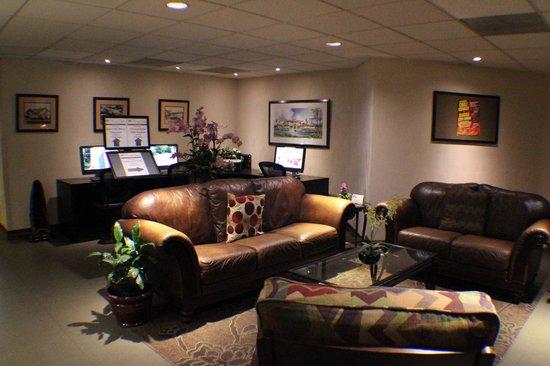 BEST WESTERN PLUS Thousand Oaks Inn: Hotel Lobby