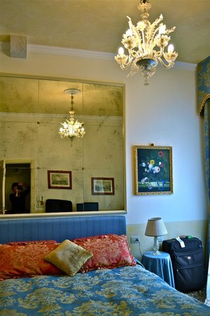 Palazzo Odoni: bedroom