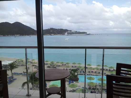 Sonesta Great Bay Beach Resort, Casino & Spa: Vue de la chambre #705
