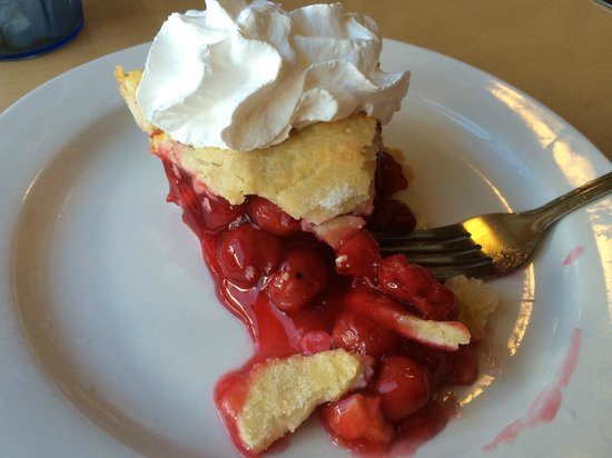 Mountain Center Cafe : Home Made Cherry pie