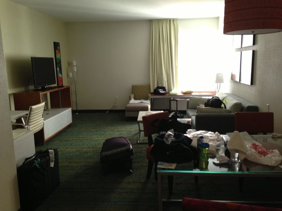 SpringHill Suites Anaheim Maingate: Living area