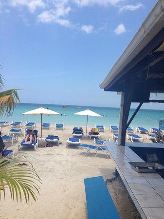 Negril Tree House Resort : Wonderful Beach