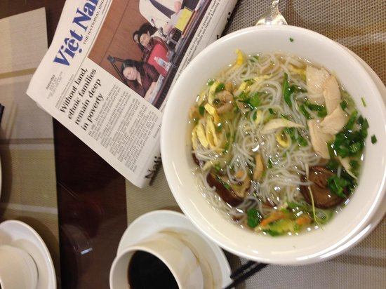 Gondola Hotel : Morning paper, coffee, and noodle soup from breakfast buffet