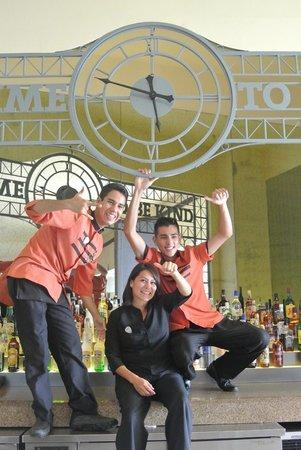 Hard Rock Hotel Vallarta: The sunny Bar team