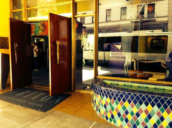Hotel Triton: Front door