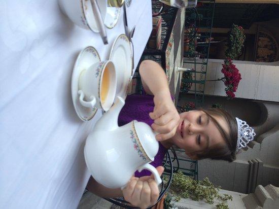 Mission Inn Restaurant: Tea time!♥