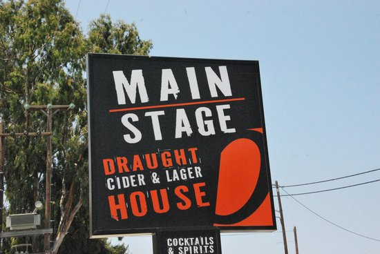 ‪main stage bar‬