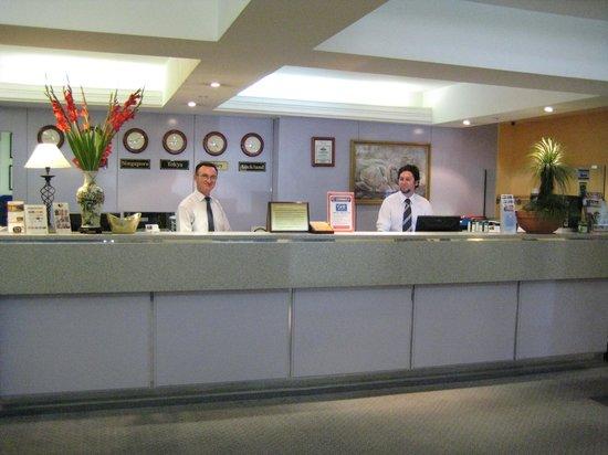 DeVere Hotel : 24Hour Reception