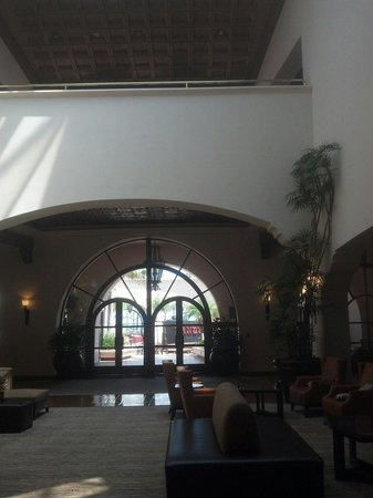 The Fess Parker - A Doubletree by Hilton Resort : Big open lobby with large restaurant and excellent breakfast buffet...