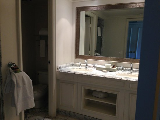 Fairmont Orchid, Hawaii: Vanity