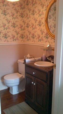Petite salle d\'eau chambre no 2 - Photo de Gite Loiselle B&B, Trois ...