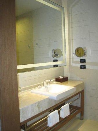 Eastin Grand Hotel Sathorn: banheiro muito bonito