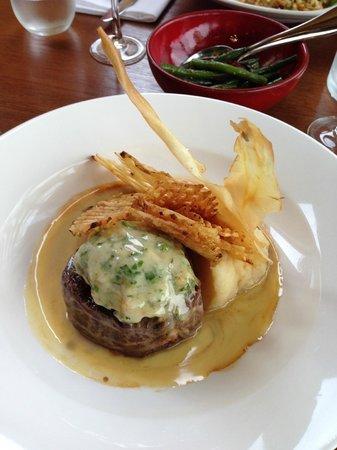 Mrs Jones Restaurant Bar Lounge : Reef and Beef