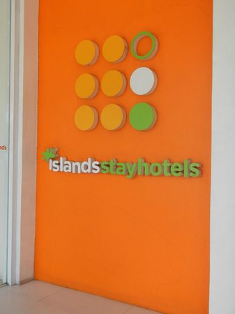 Islands Stay Hotels Mactan: entrance