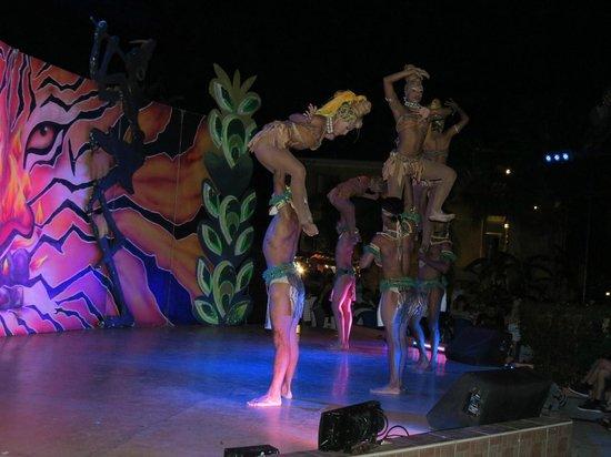 Royal Decameron Golf, Beach Resort & Villas : Show musical nocturno