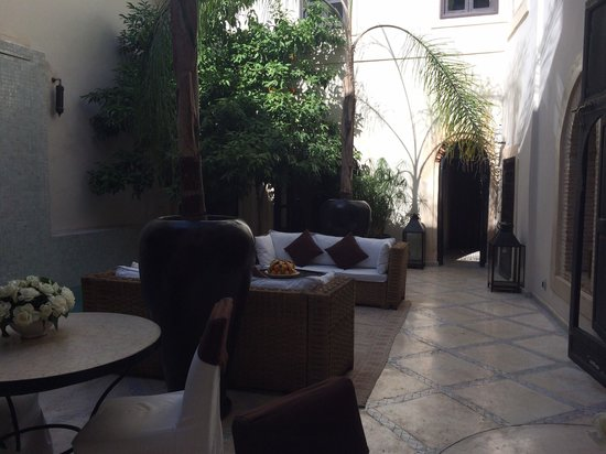 Riad Kheirredine: Lounge