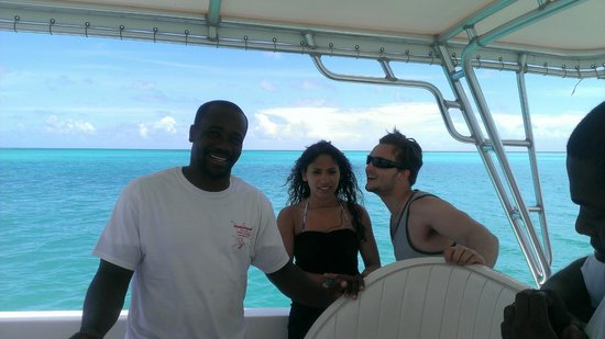 Creole Cruises Antigua: Captain Glen with our friends
