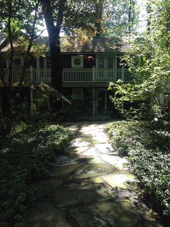 Buttermilk Falls Inn & Spa: Inn outside of our room