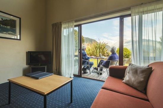 Glenfern Villas Franz Josef: Patio View