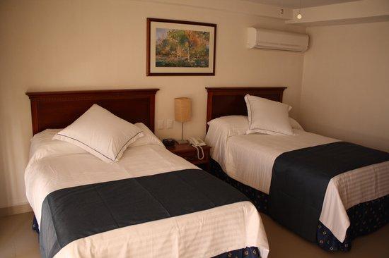 Hotel Porto Allegro: Habitacion Doble